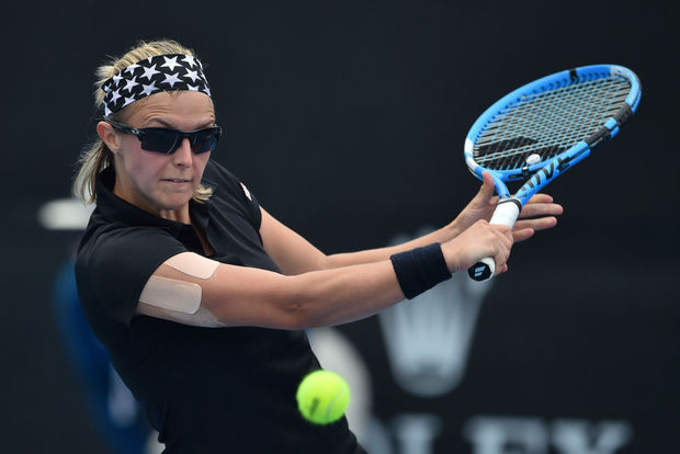 Mladenovic bat Flipkens, la France égalise 1-1 face à la Belgique