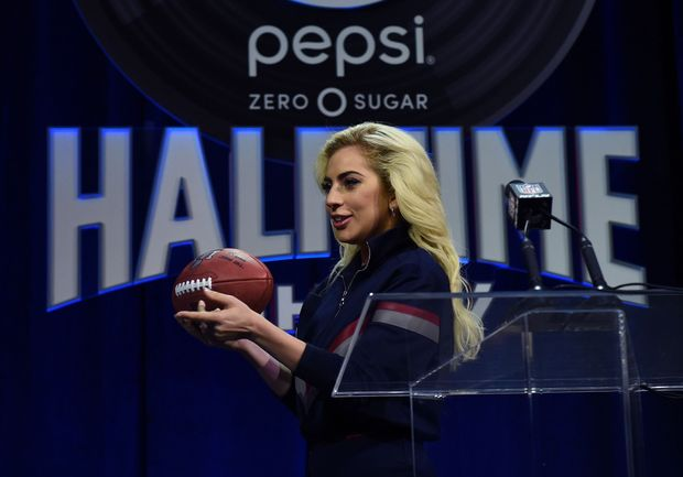 Super Bowl: Lady Gaga promet un message de rassemblement